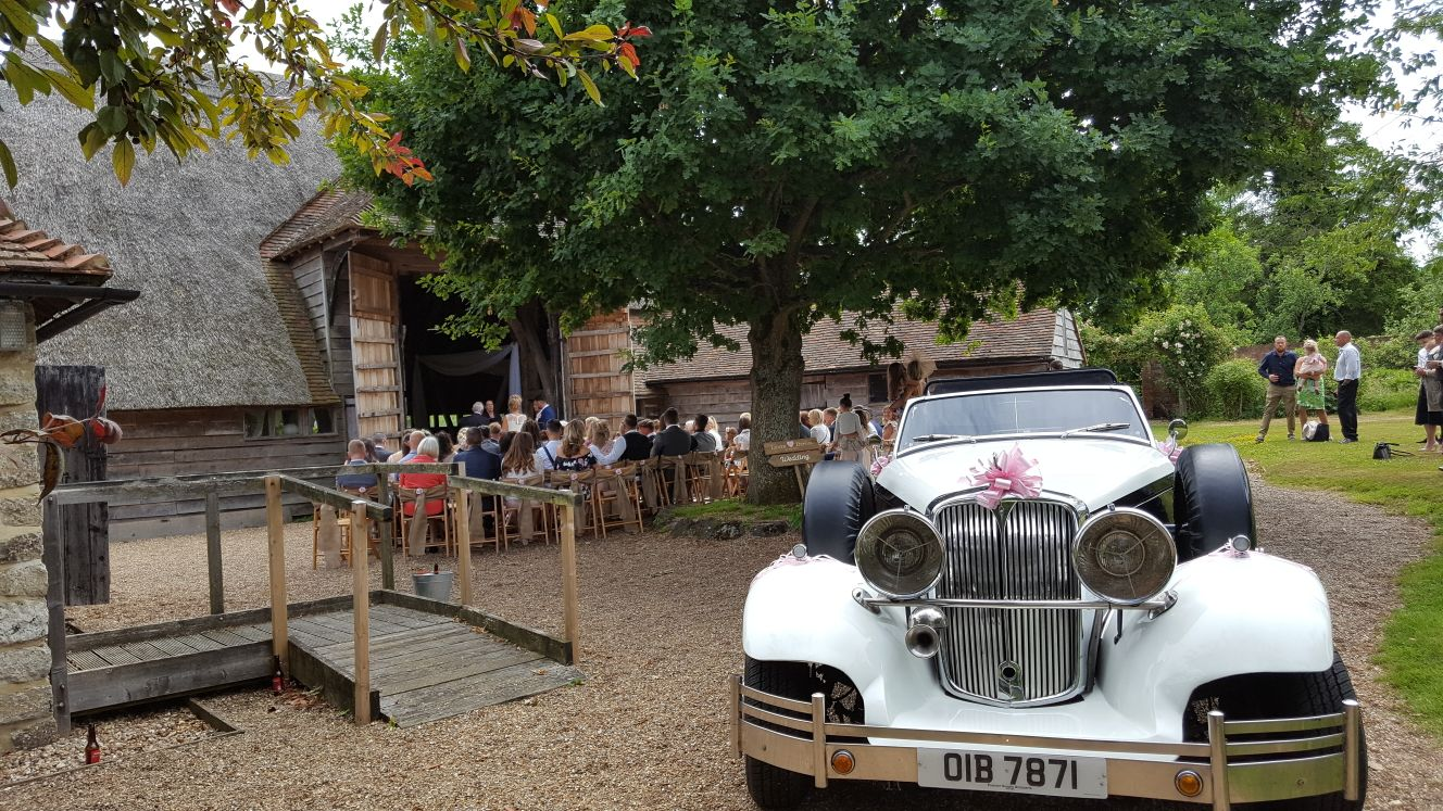 Beautiful wedding in Tenterden, Kent | Moonlight Limos